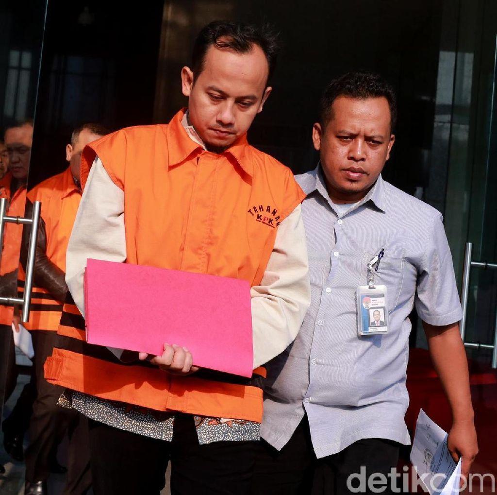 Jaksa Satriawan Sulaksono Tertunduk Usai Diperiksa KPK