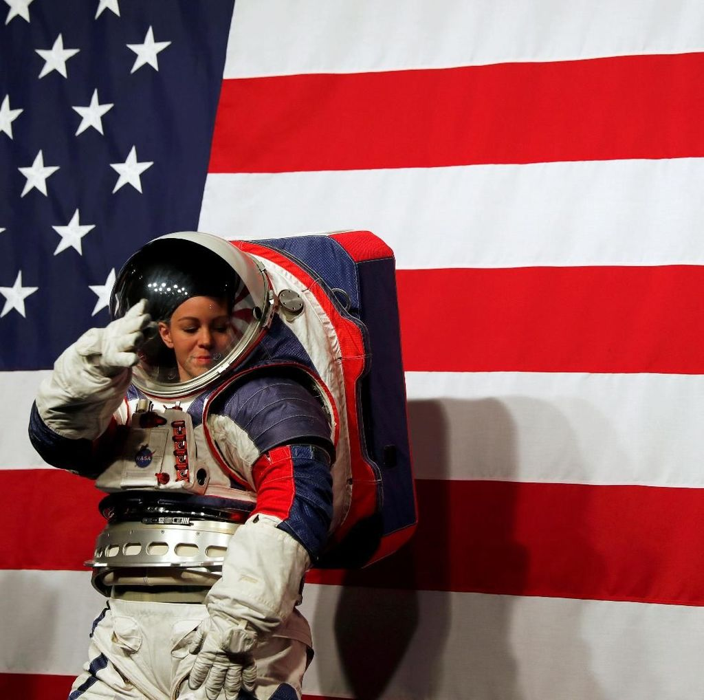 NASA Ungkap Kostum Canggih Buat Manusia di Bulan