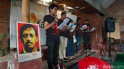 Tujuh Anak Muda di Malang Bacakan Dokumen TPF Munir