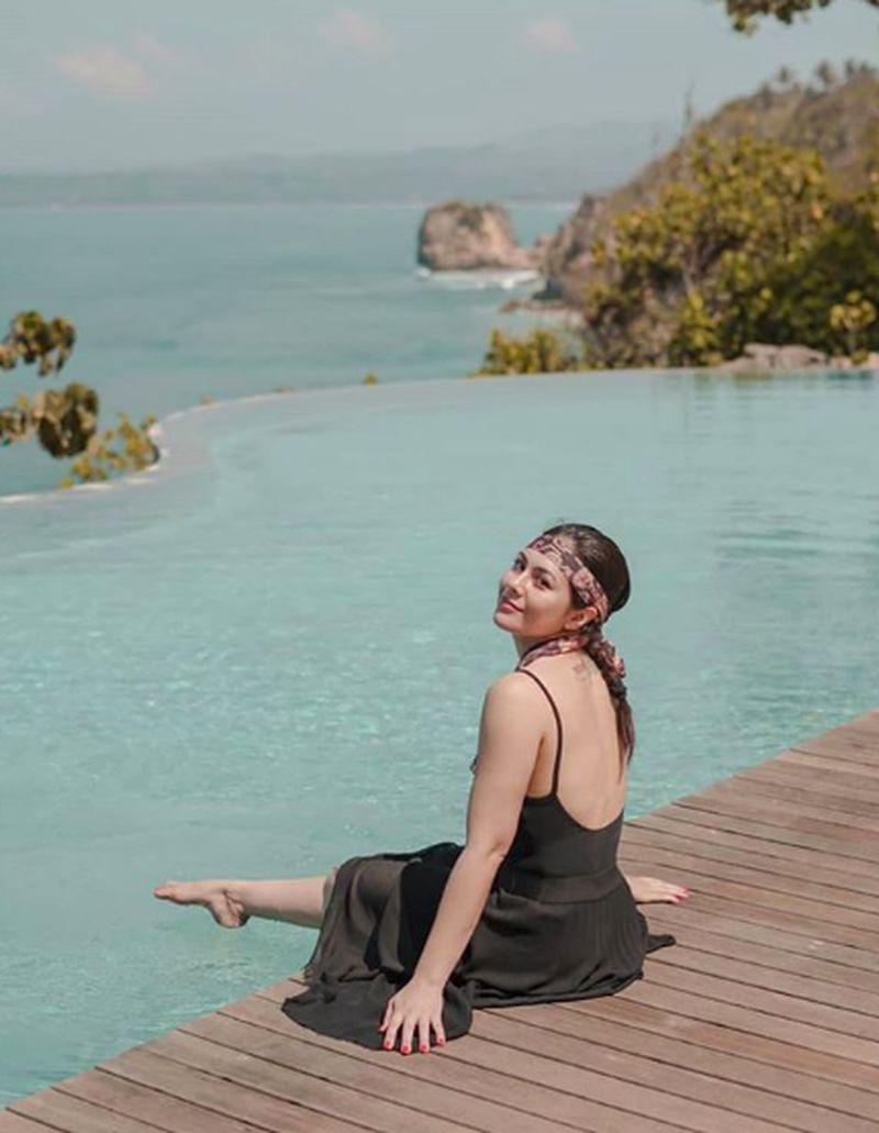 Wulan Guritno dan sahabat-sahabatnya datang ke Sumba dan menikmati keindahan alamnya. (wulanguritno/Instagram)