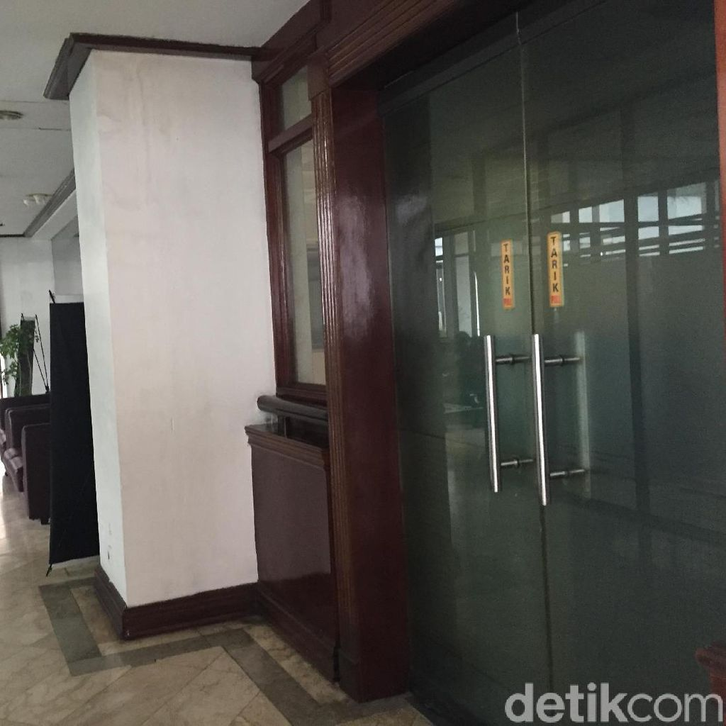 Pasca-OTT KPK, Ruangan Wali Kota Medan Dikunci