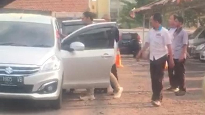 Setelah masuk dalam mobil ini, Bangkit tak terlihat lagi sebelum ditemukan tewas/Foto: Istimewa