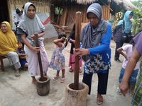 Desa Kembang Kuning Lombok Pikat Wisatawan dari Pembuatan Bubuk Kopi
