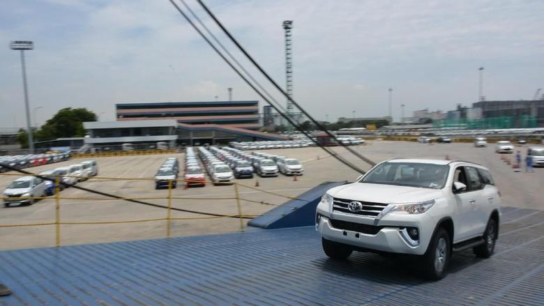 Ekspor mobil Toyota Fortuner Foto: dok. TMMIN