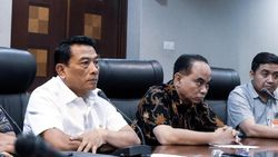 Moeldoko Minta Relawan Tak Perlu Gelar Karnaval Saat Pelantikan Jokowi