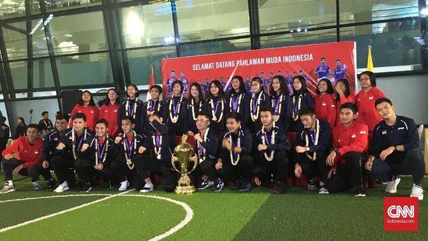 Indonesia menorehkan sejumlah rekor apik di Kejuaraan Dunia Badminton Junior.