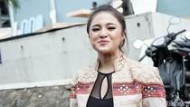 Sikat Gan! Vicky Prasetyo Luncurkan Pujian untuk Marshanda
