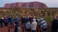 Namun dibalik pro dan kontranya, banyak yang mendukung penutupan Bukit Uluru untuk wisatawan. Selain faktor budaya, larangan ini juga untuk melindungi situs dari alam dan demi keselamatan turis juga. (AFP)