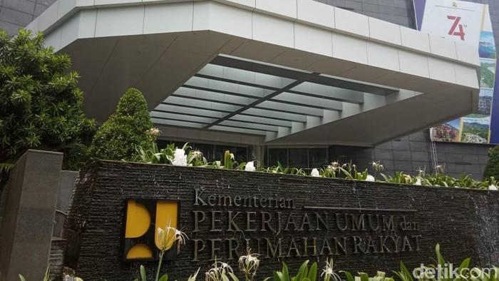 gedung kantor kementerian pupr