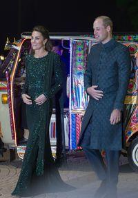 Saat Kate Middleton Naik Bajaj Pakai Gaun Rp 65 Juta di Pakistan