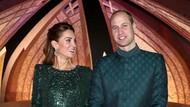 Kunjungi Pakistan, Kate Middleton dan Pangeran William Coba Naik Bajaj