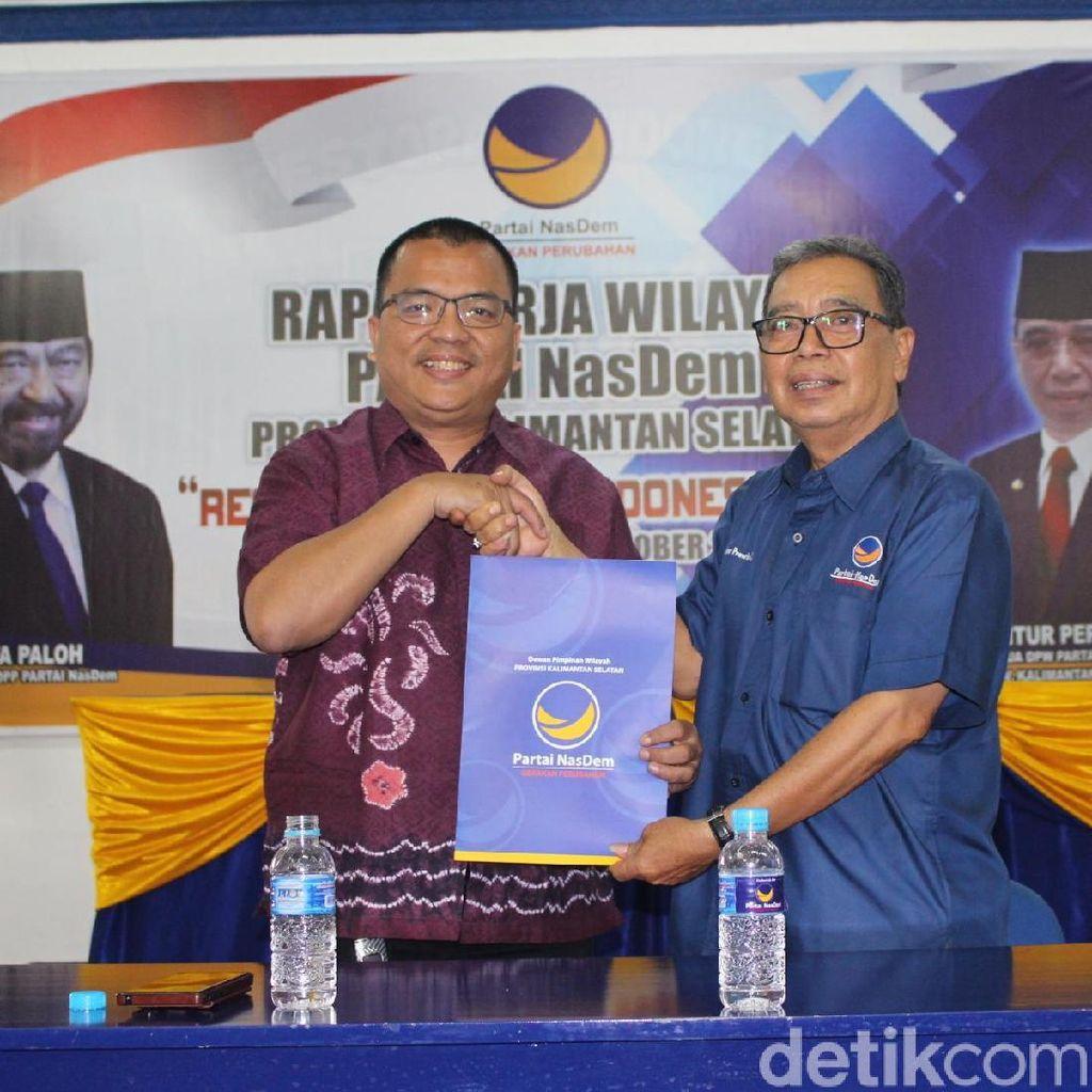 Denny Indrayana Kembalikan Formulir Cagub Kalsel ke NasDem