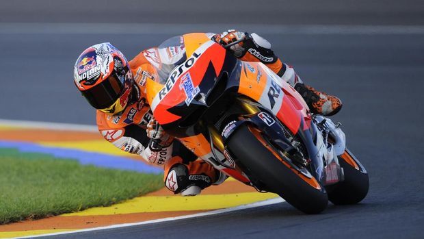 Casey Stoner memutuskan pensiun di MotoGP 2012.