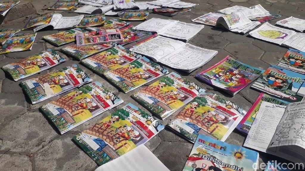 Sekolah Diterjang Puting Beliung, Ratusan Buku TK Basah