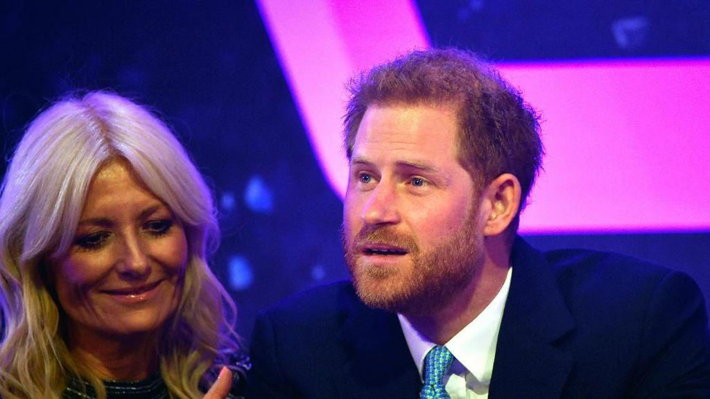 Pangeran Harry Menangis Saat Ingat Bagaimana Rasanya Tahu Akan Jadi Ayah