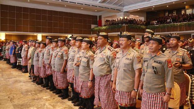 Pertemuan ini dilaksanakan untuk mengantisipasi gangguan keamanan jelang pelantikan presiden dan wakil presiden akhir pekan ini.