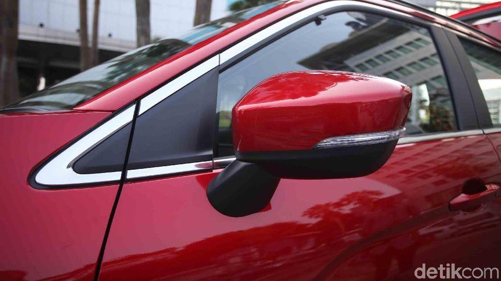 Nggak Sempat Cuci Mobil? Yang Penting Kaca Tetap Bersih