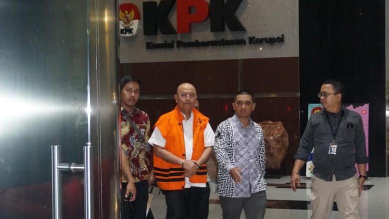 Pakai Rompi Oranye, Wali Kota Medan Bungkam Saat ke Luar KPK
