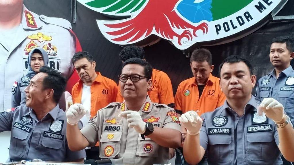 Polisi Buru Pemasok Sabu ke Sutradara Film Amir Mirza Gumay
