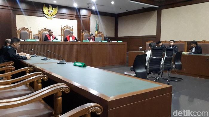 Hakim tolak eksepsi Habil Marati (Faiq Hidayat/detikcom)