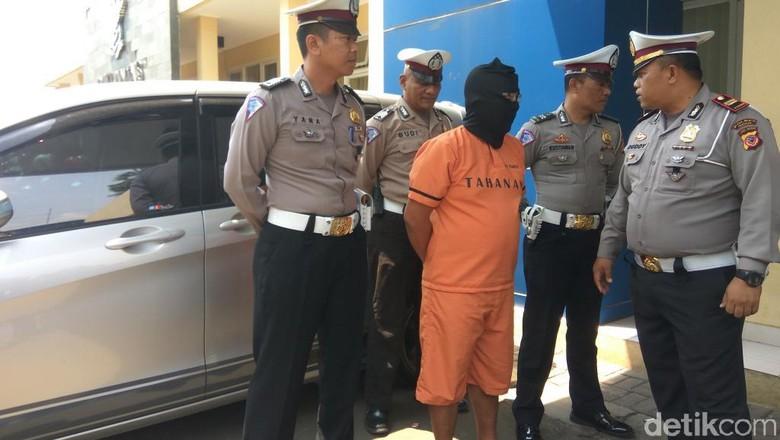 Pelaku Tabrak Lari Kakek di Bandung Barat Terancam 6 Tahun Bui