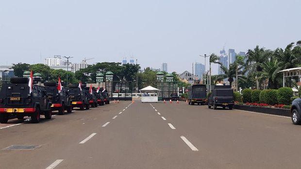 Pengamanan Diperketat Jelang Pelantikan Presiden, Barracuda Terparkir di DPR
