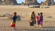Tentang Sebuah Negara yang Gunakan Air sebagai Pengganti Uang