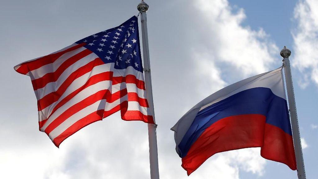 Rusia Turunkan 3 Diplomat AS dari Kereta Tujuan Pelabuhan Kapal Selam Nuklir