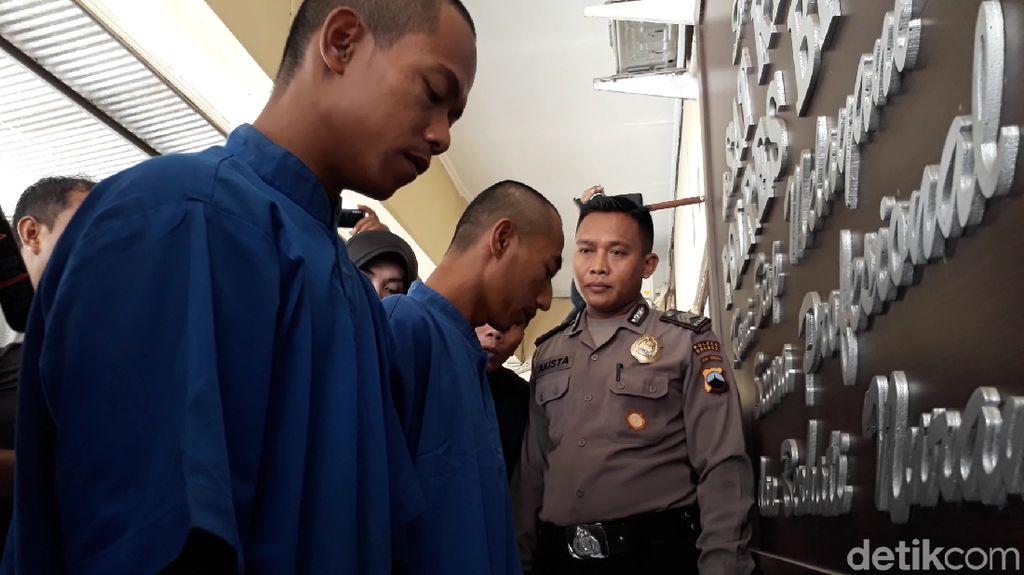 Polisi Amankan Ratusan Batang Kayu Ilegal, Dua Pelaku Diringkus