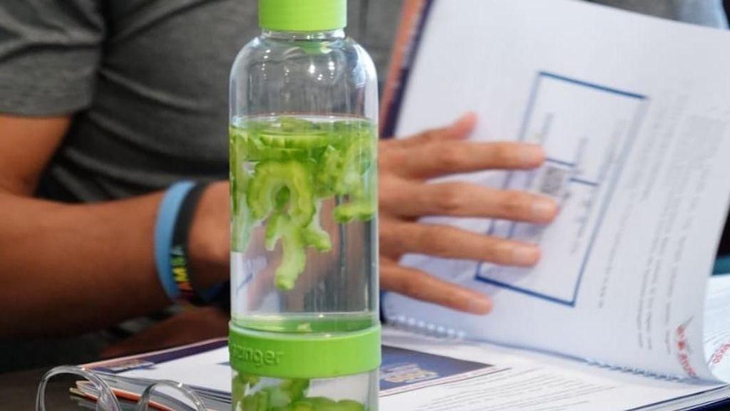 Minuman Sehat Sandiaga Uno, Air Pare hingga Jamu Brotowali