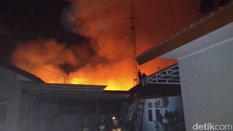 Pasar Mungkid Magelang Terbakar Malam Ini