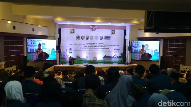 Police Goes To Campus melalui Kampus Pelopor Keselamatan (Kapeka) Berlalulintas dan Taat Pajak Kendaraan di Universitas Diponegoro (Undip) Semarang.