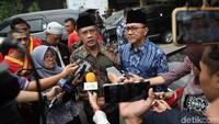 Zulkifli Hasan meminta umat Islam mengakhiri perdebatan, bersatu medukung Jokowi-Maruf membangun Indonesia.