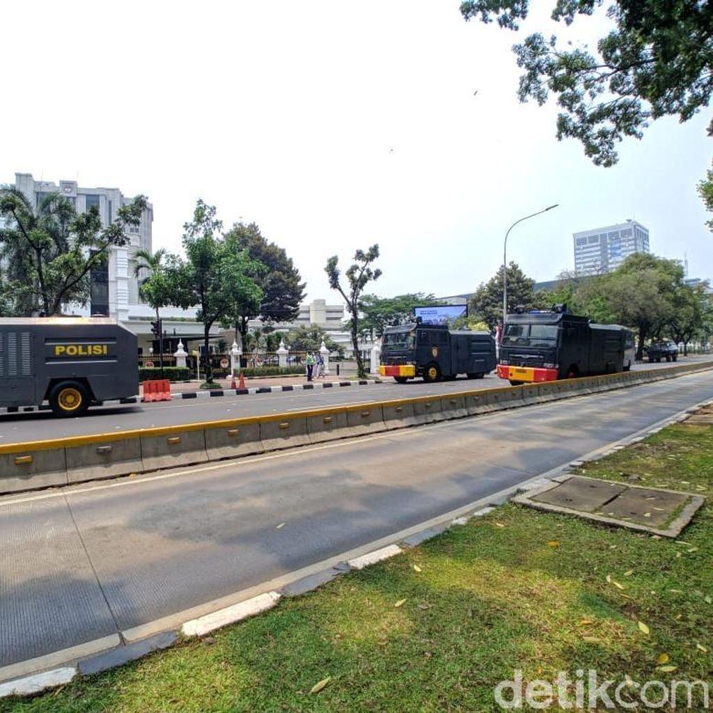 Lalin Sekitar Istana Ditutup Antisipasi Demo, Water Cannon Disiagakan