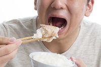 Tak Bisa Makan Nasi, Pria Ini Muntah Saat Nasi Lewati Tenggorokannya