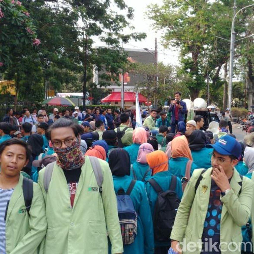 Demo Tagih Perppu KPK, Mahasiswa Tak Akan Berhenti: Nafas Masih Panjang