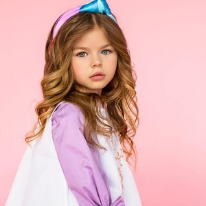 Ini Alina Yakupova, Bocah 6 Tahun yang Dijuluki Gadis Tercantik di Dunia