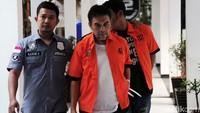 Selain sutradara film layar lebar berjudul Anak Negeri Metalith itu, polisi juga menangkap dua orang rekannya, Budi dan Trisna.