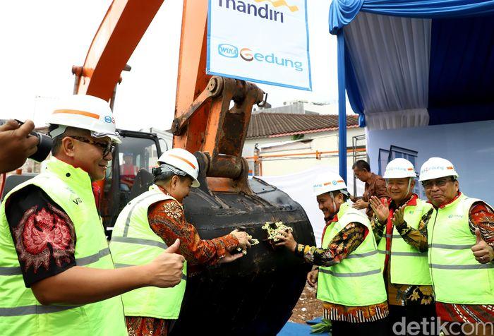 Nantinya sebagian besar gedung yang ditargetkan selesai pada 2020 ini akan digunakan sebagai kantor pusat perusahaan anak, Bank Mantap.