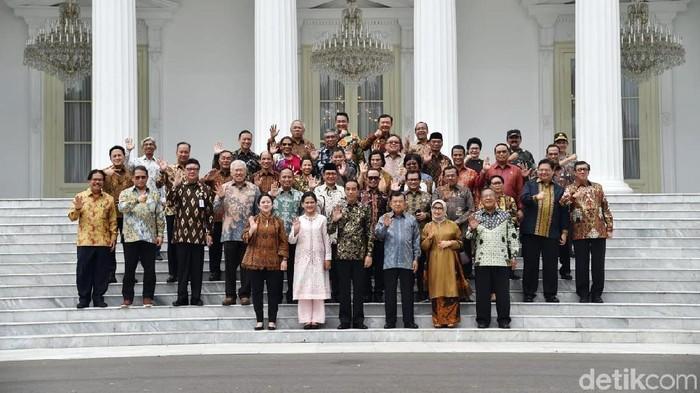 Jokowi bersama menteri Kabinet Kerja. (Dok Setpres)