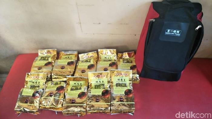 Foto: Sabu 15 kg yang disembunyikan di kemasan (Dok ist)