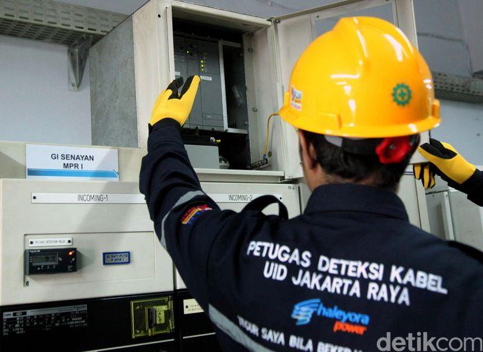PLN Unit Induk Distribusi Jakarta Raya (Disjaya) memastikan pasokan listrik di Gedung DPR/MPR RI aman menjelang pelantikan presiden dan wakil presiden terpilih pada Minggu, 20 Oktober mendatang.