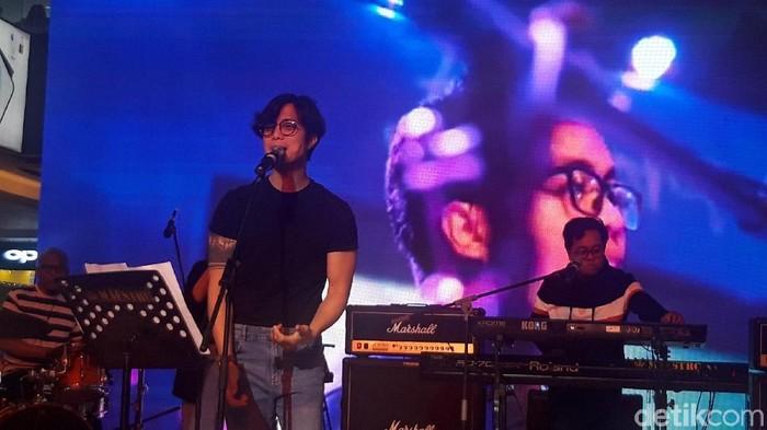 Konser Dikta Project di penjualan perdana Oppo Reno2 F (Hilda Meilisa Rinanda/detikcom)