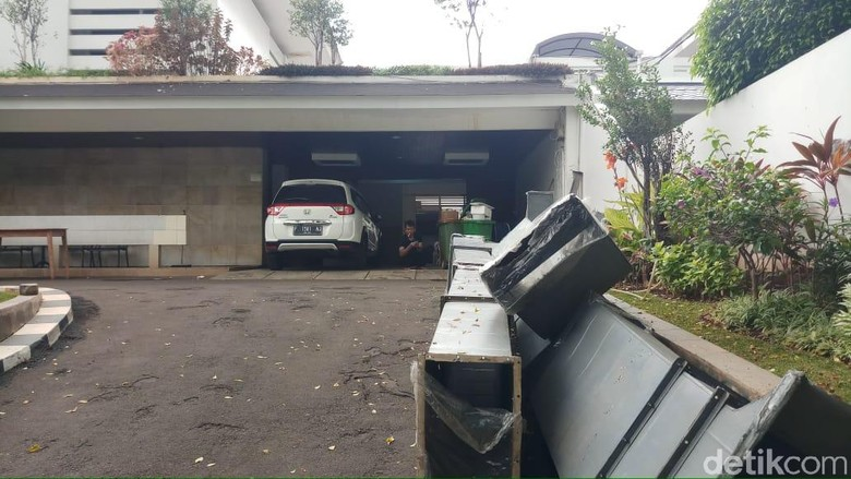 Menteri Susi dan Menag Lukman Berkemas dari Rumah Dinas di Widya Chandra