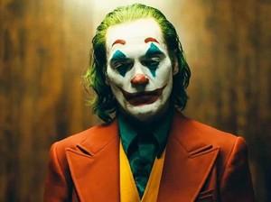 Tidak Jahat, Joker Ini Justru Bagi-bagi Makanan Gratis