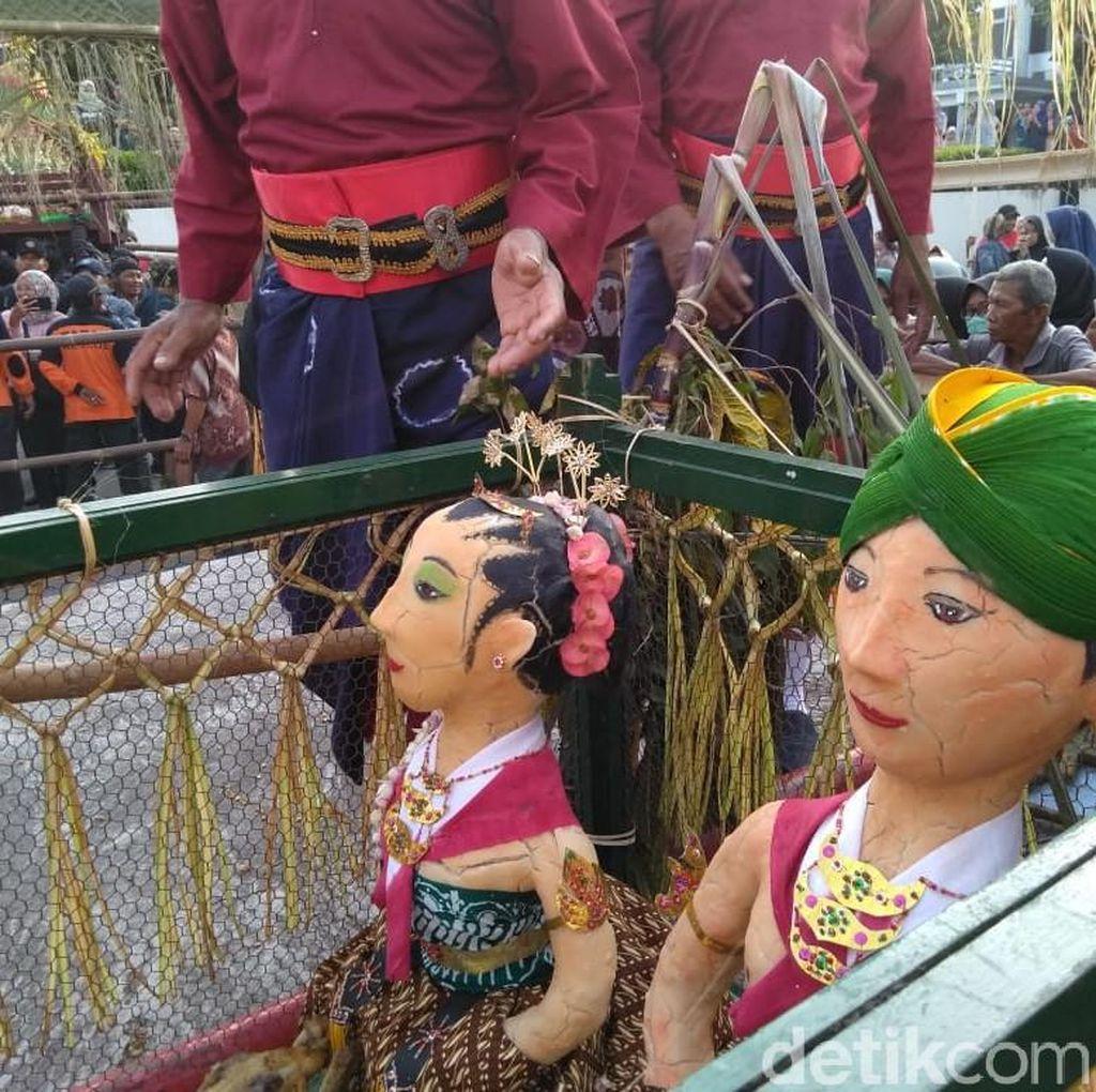 Meriahnya Tradisi Saparan Bekakak di Gamping Sleman
