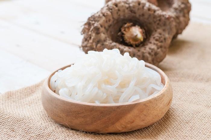 Nasi shirataki kini jadi makanan diet terbaru untuk menurunkan berat badan. Foto: iStock