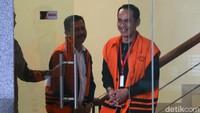 Salah satu pihak swasta yang diduga memberi suap kepada Bupati nonaktif Bengkayang Suryadman Gidot, Rodi, diperiksa KPK, Jakarta, Jumat (18/10/2019).