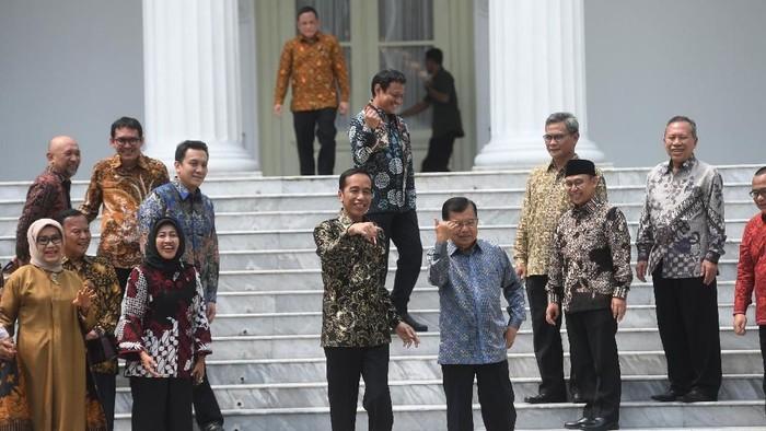 Perpisahan Jokowi-JK dan para menteri. (Antara Foto/Akbar Nugroho Gumay)