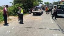 Senggol Mobil Parkir, Biker Jatuh Lalu Tewas Terlindas Truk